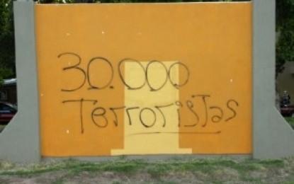 Noticias- Mendoza: Fachos hacen pintadas que reivindican el terrorismo de estado en San Rafael