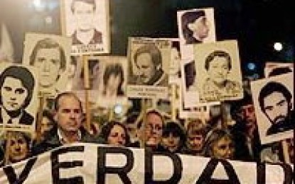 Montevideo marcha en silencio