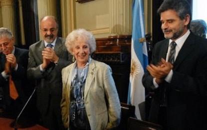 Presentaron la candidatura de Abuelas de Plaza de Mayo para el Nobel de la Paz
