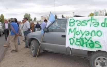 """Tunuyán: """"caravana preventiva"""" en apoyo al lock-out del campo"""