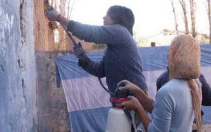 El Inadi tapó grafittis fachos