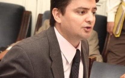 Pablo Salinas: duro contra medios y jueces relacionados con la dictadura y los represores