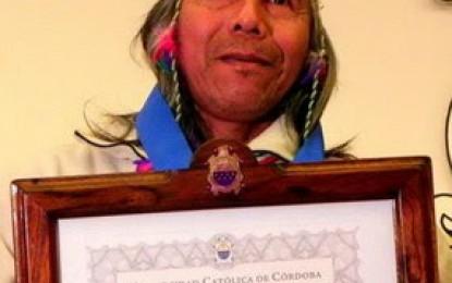 Félix Díaz recibe el premio Rector Mauricio Amílcar López 2012