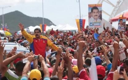 Jóvenes de la oposición en Venezuela asociados a organizaciones neonazis