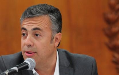 Cornejo quiere que desaparezcan los sindicatos