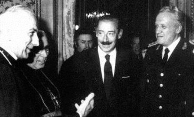 La dictadura civico-militar fue también eclesiástica. Lo aparente torpe de Cobos