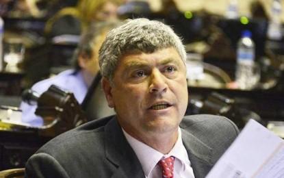 El ministro de Agricultura de Macri asumirá con el sueldo embargado por una deuda impaga
