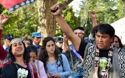 Un jurado intercultural absolvió a tres integrantes del pueblo mapuche