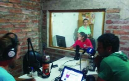 Las radios comunitarias crecen desde el pie