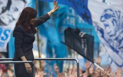 Encuesta de Analogías: CFK, primera en PBA, seguida por Carrió y Massa
