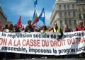 Francia impone por decretazo la reforma laboral y las protestas se recrudecen