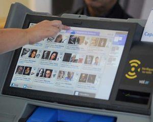 """Voto electrónico, suicidio de la política y nuevo """"fraude patriótico"""""""