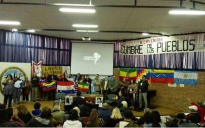 """La """"Contracumbre"""" pidió la libertad de Milagro Sala y apoyó a Maduro y CFK"""