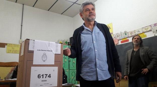 """""""La democracia esta golpeada porque hay un ciudadano que no puede venir a votar"""""""