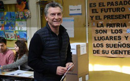 Macri violó la veda electoral