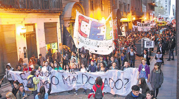 Miles de estudiantes recordaron la Noche de los Lápices