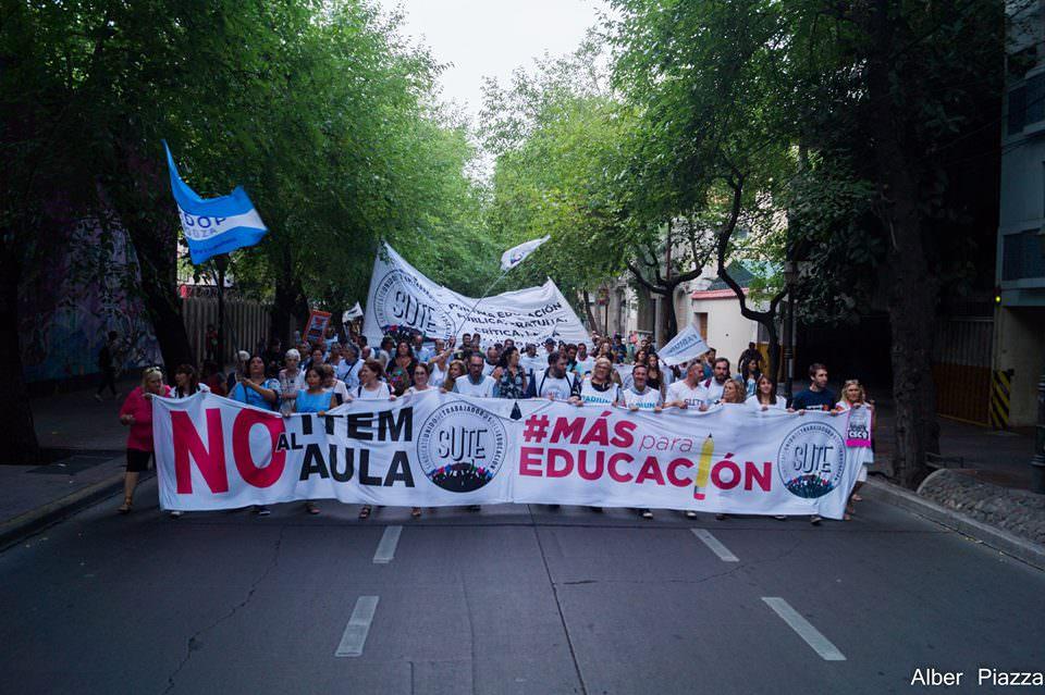 Multitudinaria marcha por #MásParaEducación (Fotogalería)