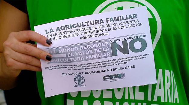 Los despidos en Agricultura Familiar se sienten en territorio, aunque al gobierno le cueste creerlo