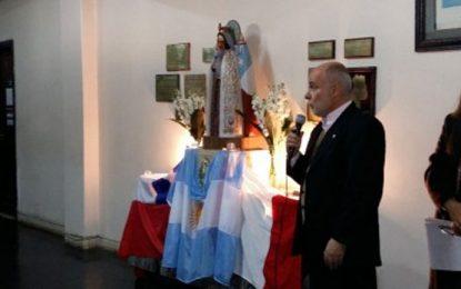 Actos escolares del Patrono Santiago y la Virgen del Carmen de Cuyo: Análisis crítico de las falacias del integrismo católico mendocino
