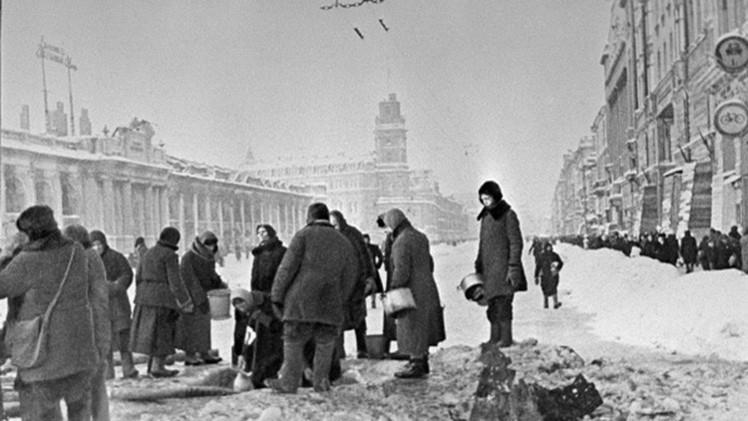 Leningrado y Auschwitz