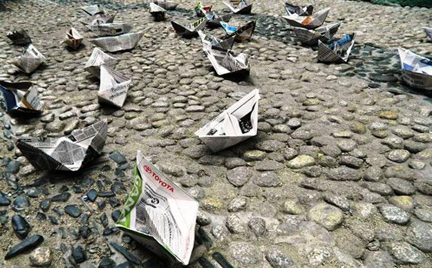Reclaman #MarParaBolivia con un millón de barquitos de papel