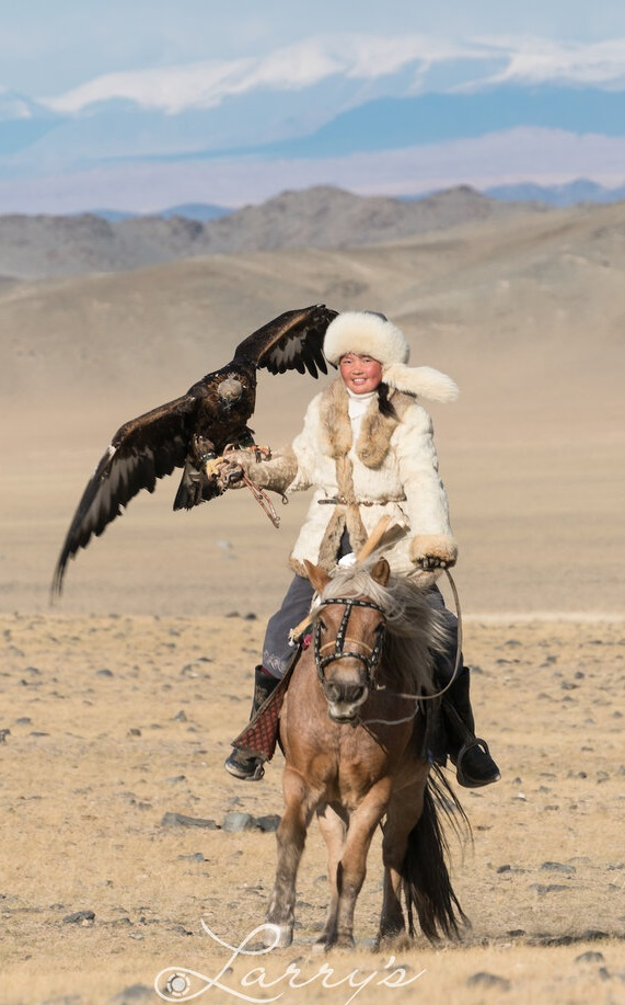 Aisholpan de Mongolia y las reinas vendimiales de Mendoza