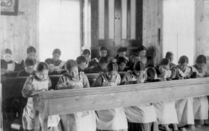 Genocidio de niños indígenas en Canadá: una afrenta a la condición humana
