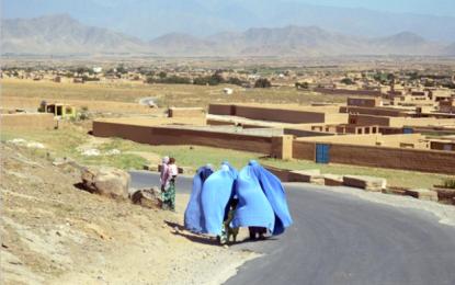 Afganistán: carta de Nandini Archer a las feministas británicas»Dejen de utilizar a las niñas afganas para justificar bombardeos»